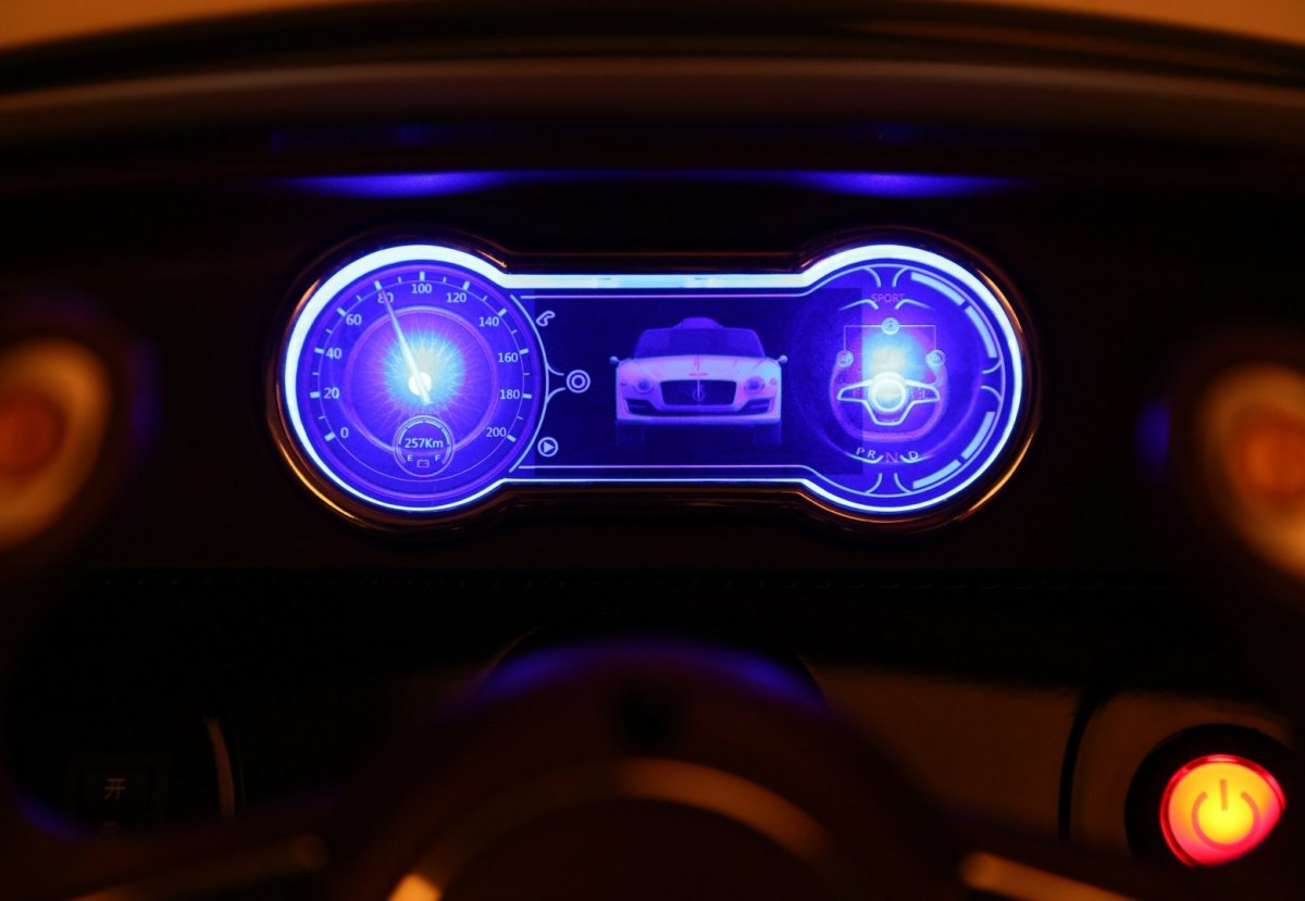Pojazd-Bentley-EXP12-Bialy_[24628]_1200